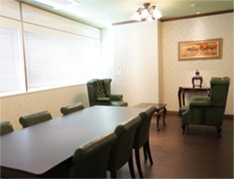 コールグリーン法律事務所会議室